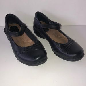 Earth Origins by Earth Black Leather Mary Janes